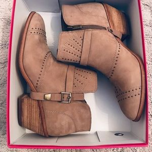 NEW Vince Camuto Western Leather Booties Dorin 10M
